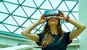 Virtual Reality device in Museum